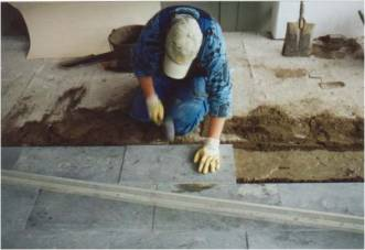Maakostea betoni lattia
